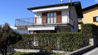 Vignone, House with terrace, lake view and garden at Sale
