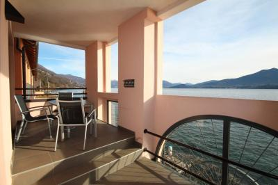 Ghiffa, Apartment directly on the lake at Sale