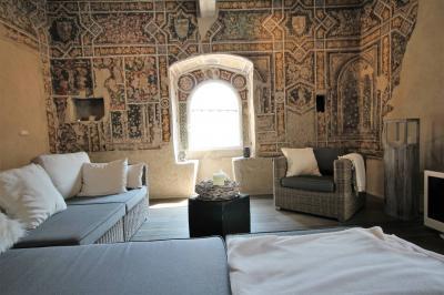 Cannobio, Modernissimo Loft in Palazzo medievale in Vendita