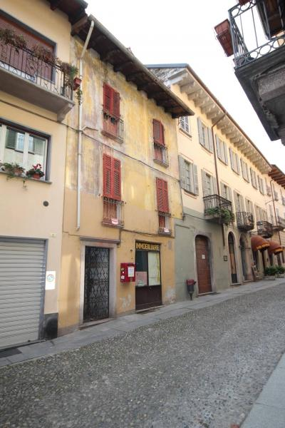 Cannobio, House with shop in the historical centre near the lake at Sale