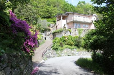 Cannobio, Beautiful apartment with lake view pool and park at Sale