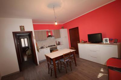 Cannobio, Semi-detached house with garden and courtyard at Sale