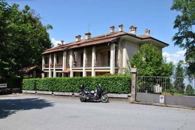 Baveno, Wohnung mit Balkon, Seeblick und Parkplatz zu verkaufen