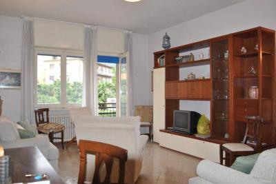 Baveno, Appartamento con Terrazza e posto auto in Vendita