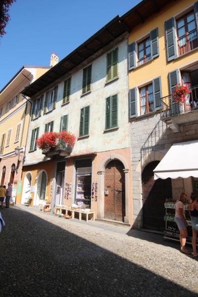 Cannobio, appartamento nel centro storico vicinanze lungo lago in Vendita