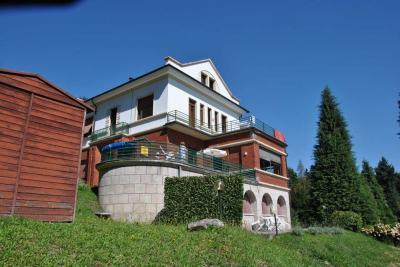 Stresa, Schöne Villa mit herrlichem Seeblick zu verkaufen