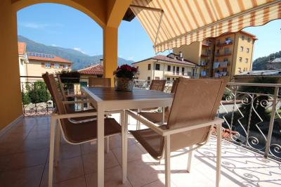 Cannobio, Apartment with terrace and garage at Sale