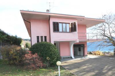 Arizzano, Einfamilienhaus mit Terasse, Seesicht und Garten zu verkaufen