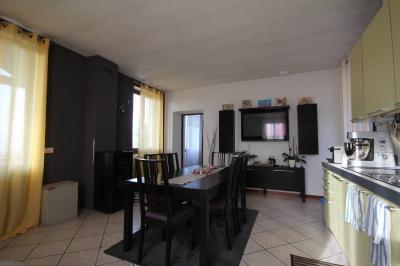 Ghiffa, Appartamento con Vista Lago Giardino e  Posto auto in Vendita