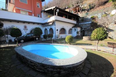 Cannobio, Casa Indipendente con Terrazza, Vista Lago e Giardino in Vendita
