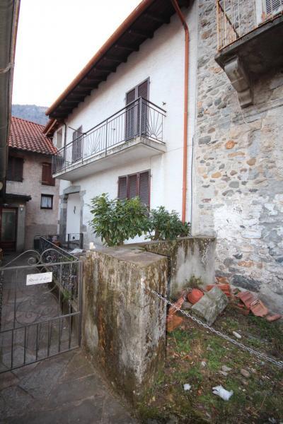 Cannobio, Casa semindipendente con ampia terrazza in Vendita