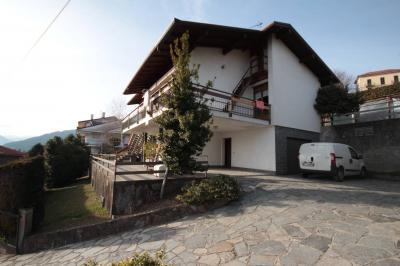 Verbania, House with terrace, lake view and garden at Sale