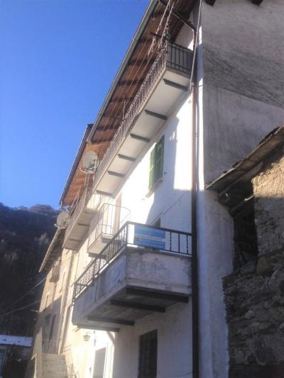 Gurro, Semi-detached house with big terrace at Sale