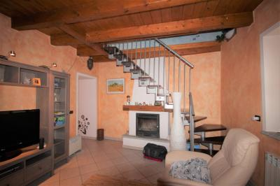 Cannobio, Romantic apartment with internal courtyard in the historic center at Sale