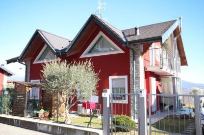 Cannero Riviera, Casa Semindipendente con Vista Lago e Giardino in Vendita