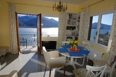 Cannobio, House with terrace, lake view and garden at Sale
