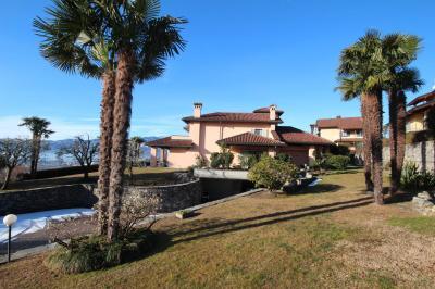 Arizzano, Villa con Giardino e stupenda  Vista Lago in Vendita