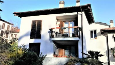 Stresa, Apartment with terrace and garage at Sale