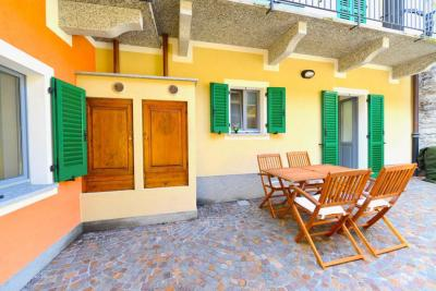Cannobio, Grazioso Appartamento nel centro storico in Vendita