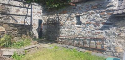 San Bernardino Verbano, Rustico con Giardino in Vendita