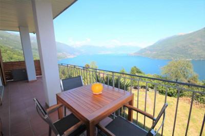Cannobio, Apartment with swimming pool, terrace, lake view and parking at Sale