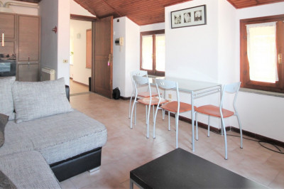 Cannobio, Three-roomed apartment with parking space, close to the beach and lakefront: at Sale