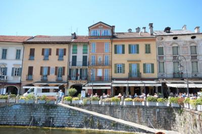 Cannobio, Appartement vor dem alten Hafen mit herrlichem Seeblick: zu verkaufen