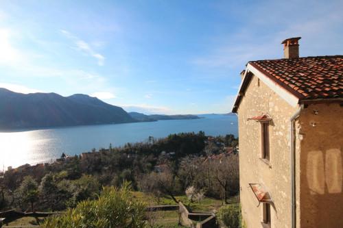 Ghiffa, Einfamilienhaus mit Balkon und Seeblick: at Sale