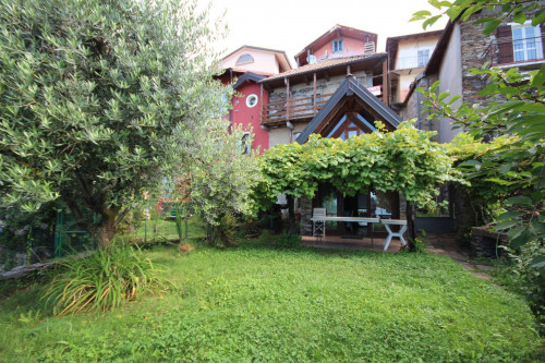 Vignone, house with own garden, lake's viws completly sourranded by nature at Sale