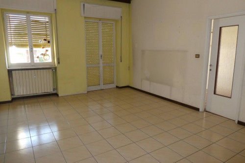 Verbania, two-room apartment with garage at Sale