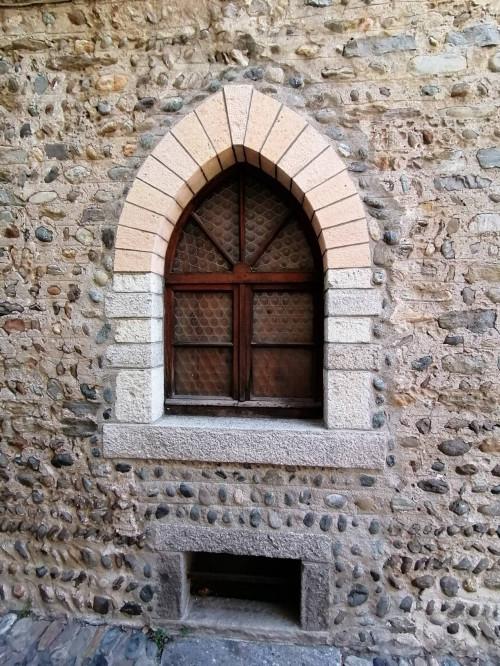 Cannobio, Appartamento di Charme con Terrazza nel centro storico in Vendita