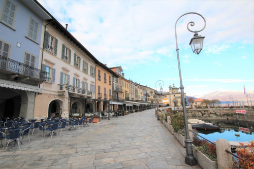 Cannobio, Apartment directly on the lake at Sale