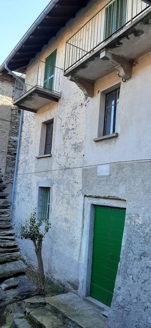 Cannero Riviera, Casa semindipendente con giardino e corte in Vendita