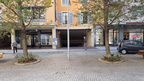 Verbania, Attività commerciale / Garage in Vendita