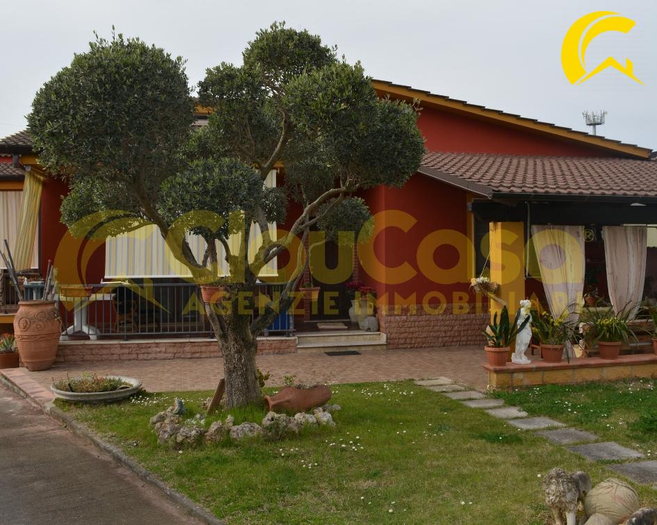 Villa in vendita a Cisterna di Latina, 4 locali, prezzo € 280.000 | CambioCasa.it