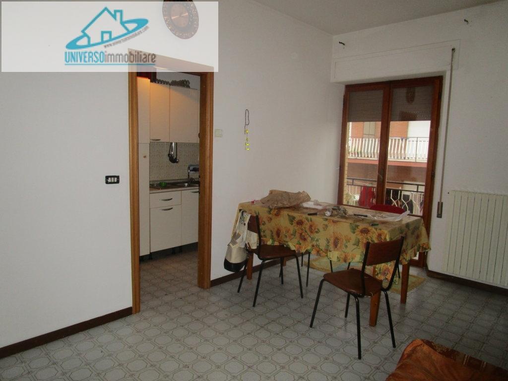 Appartamento in affitto a Castel di Lama, 3 locali, zona Zona: Piattoni, prezzo € 350 | Cambio Casa.it