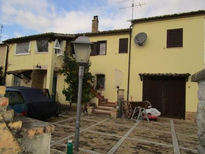Villa a schiera / Bifamiliare in Vendita a Monsampolo del Tronto