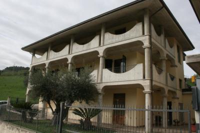 Villa a schiera / Bifamiliare in Vendita a Grottammare