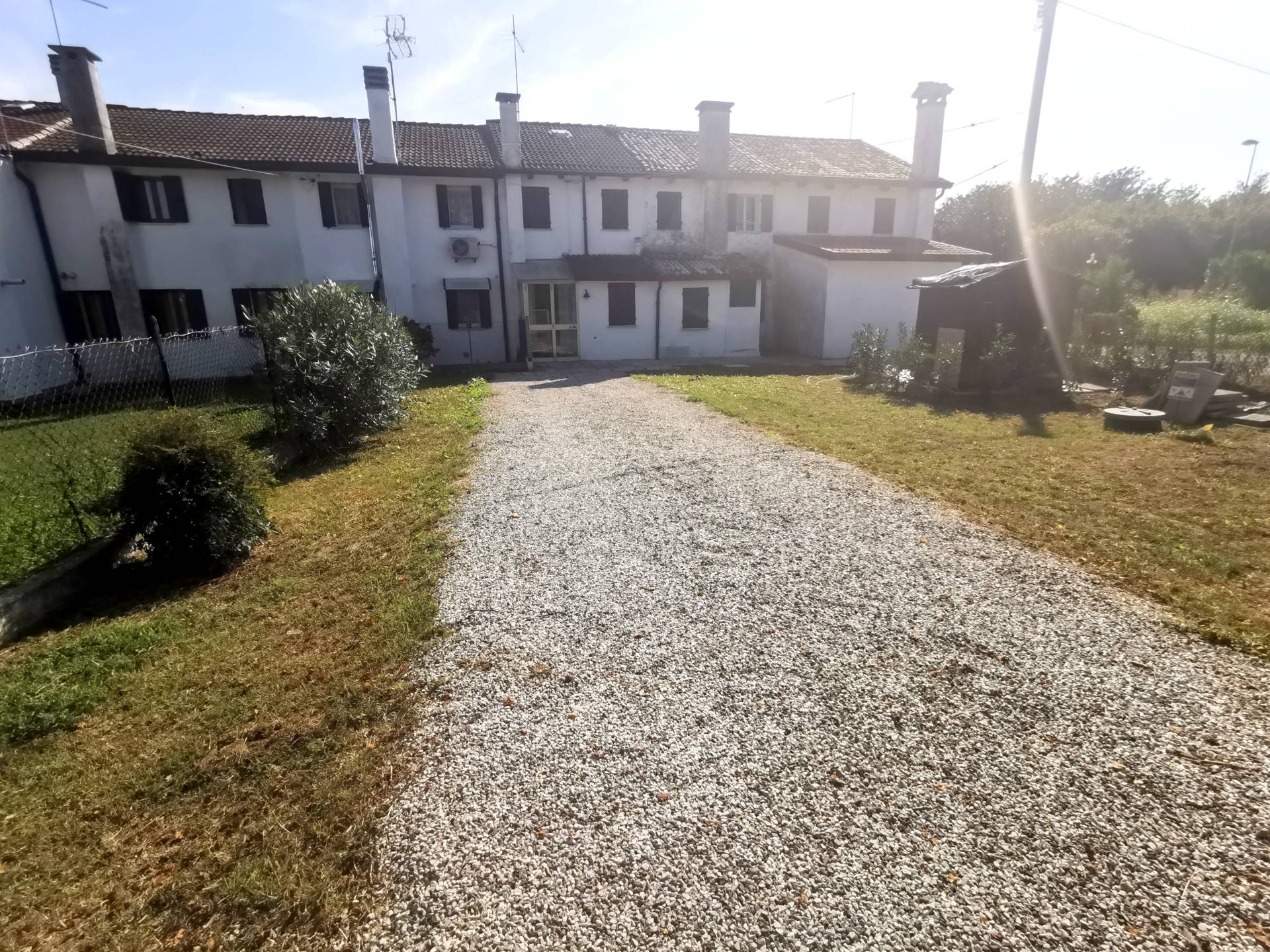 Appartamento in affitto a Curtarolo, 3 locali, zona Località: CURTAROLO, prezzo € 450 | CambioCasa.it