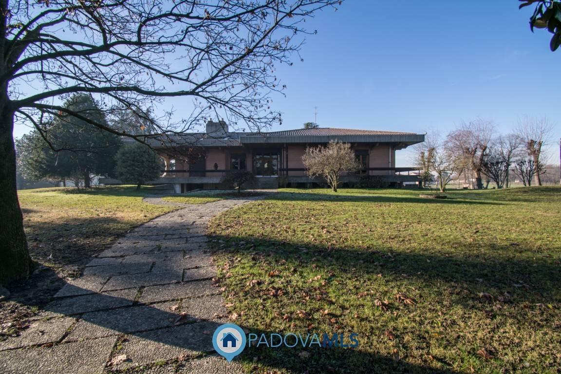 Villa in vendita a Santa Giustina in Colle, 10 locali, zona Località: SANTAGIUSTINAINCOLLE, prezzo € 450.000   CambioCasa.it