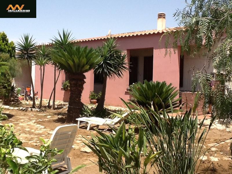 Villa in vendita a Scicli, 4 locali, zona Zona: Donnalucata, prezzo € 520.000 | Cambio Casa.it