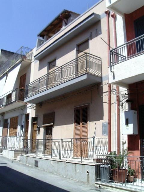 Soluzione Indipendente in vendita a Pozzallo, 4 locali, prezzo € 75.000 | CambioCasa.it