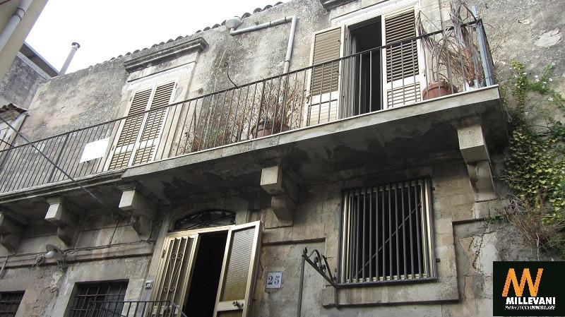Soluzione Indipendente in vendita a Modica, 6 locali, prezzo € 70.000 | Cambio Casa.it