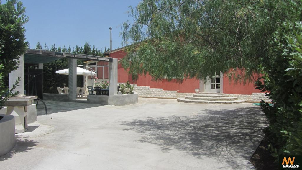 Villa in vendita a Ispica, 5 locali, prezzo € 250.000 | Cambio Casa.it
