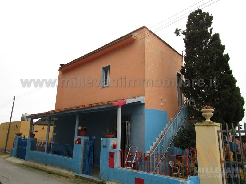Villa in vendita a Ispica, 4 locali, zona Località: S.aMariadelFocallo, prezzo € 105.000 | Cambio Casa.it