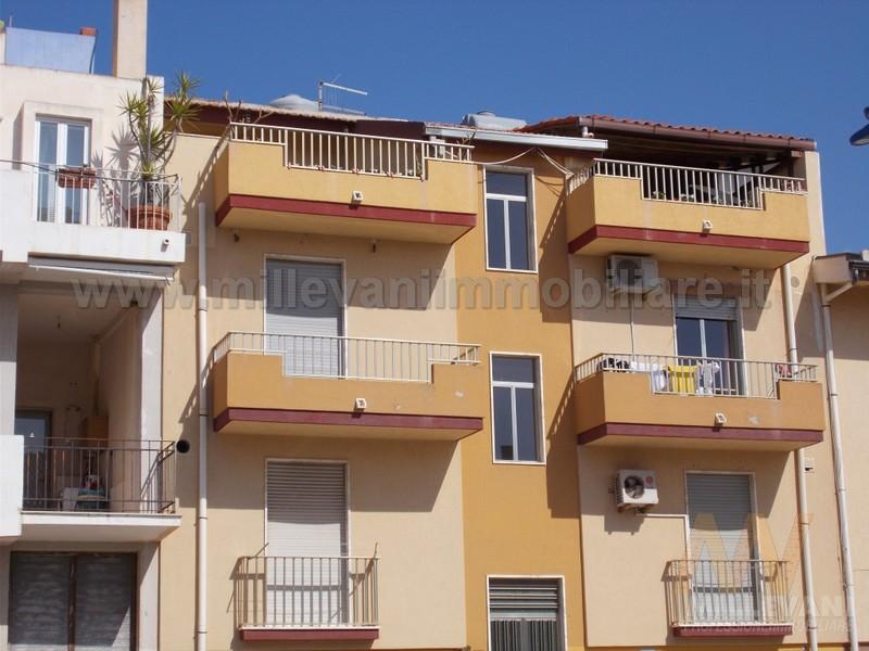 Appartamento in vendita a Scicli, 4 locali, zona Zona: Donnalucata, prezzo € 180.000 | Cambio Casa.it