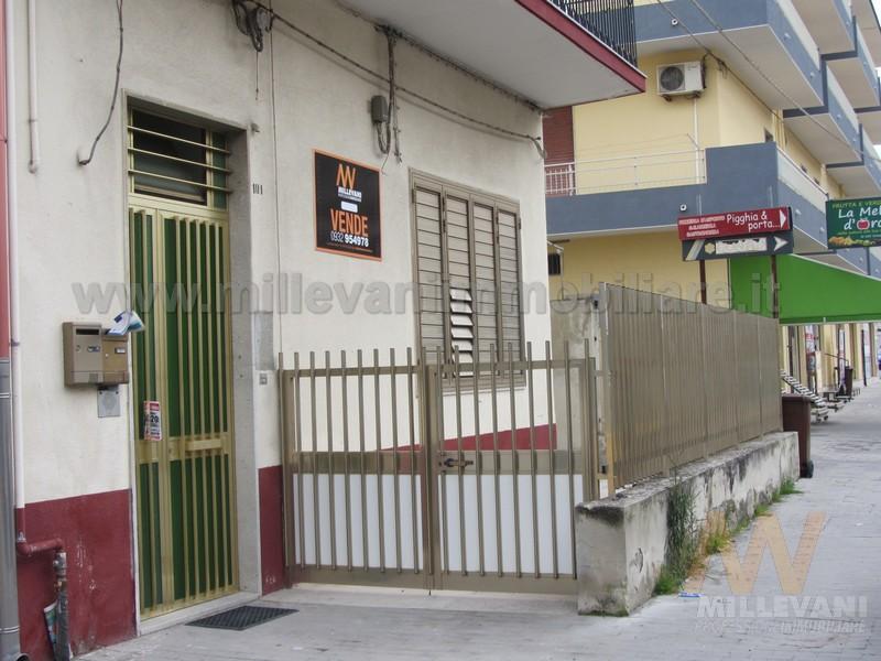 Appartamento in vendita a Scicli, 4 locali, zona Zona: Iungi, prezzo € 115.000 | Cambio Casa.it