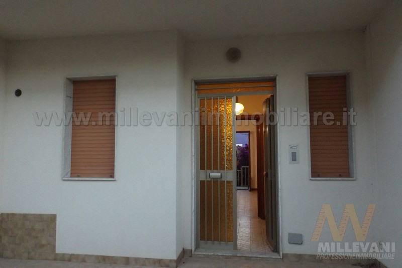 Villa in vendita a Modica, 4 locali, zona Località: MarinadiModica, prezzo € 130.000 | Cambio Casa.it