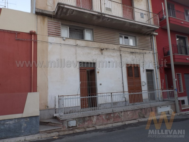 Appartamento in vendita a Pozzallo, 4 locali, zona Località: zonaSanGiovanni, prezzo € 60.000 | Cambio Casa.it