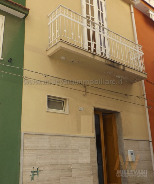 Soluzione Indipendente in vendita a Pozzallo, 7 locali, prezzo € 85.000 | CambioCasa.it